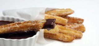 """シャドーイング動画解説:""""Churros con chocolate""""<br><br>「チュロス・コン・チョコラテ」"""