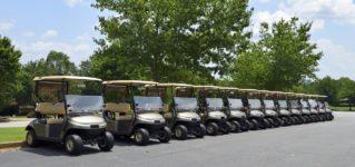 Carritos en los campos de golf