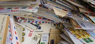 Nos encanta recibir postales de España o Latinoamérica en ADELANTE