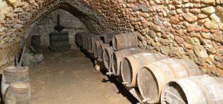 ワイン貯蔵庫が地下に広がる町、アランダ・デ・ドゥエロ