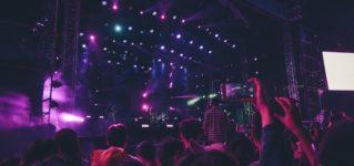 Rosalíaをめぐる議論、音楽業界におけるスペイン語楽曲の無分別