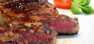 Carne muy hecha, carne al punto o carne poco hecha.