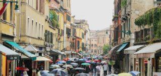 雨、小雨、土砂降り…雨に関するスペイン語
