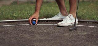 ¿Qué es más divertido, el golf o el minigolf?