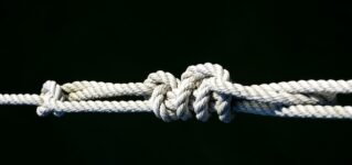 Un nudo marinero