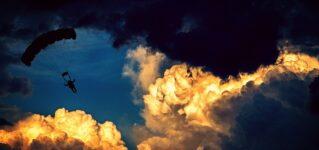 """""""nube""""(雲)を使った表現:estar en las nubesとestar por las nubes"""