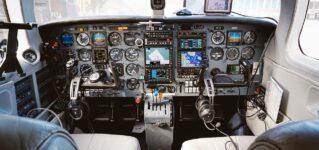 Pilotar un avión