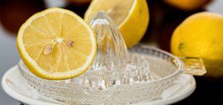 Zumo de limón por las mañanas